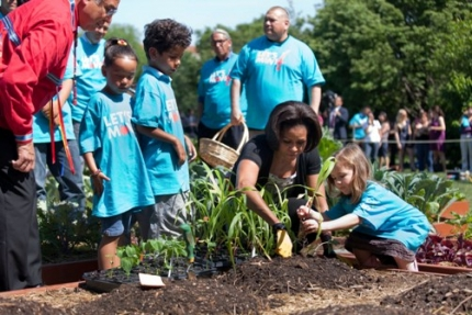 First Lady Obama plants garden